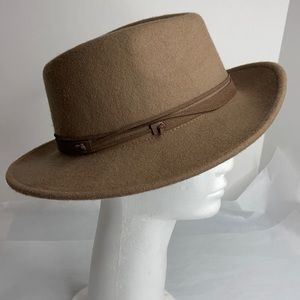 Nine West light  brown 100% wool hat